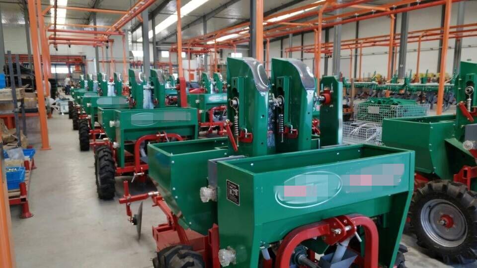 减速机生产厂家推荐大型马铃薯收割机减速机电机应用